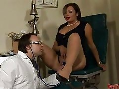 Vannah Sterling twists her mans cock in her mouth like a gigantic tootsie roll