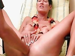 Hot amateur fist fucked in her loose cunt till she