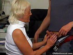 Blonde grandma sucking of a lucky