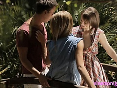 Beata and Anjelica enjoying hot threesome action