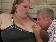 Plumper queen Julie Ann More gets her pussy pounde
