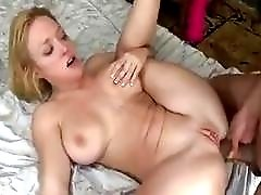 Brunette shemale fucks hard sexy blonde girl in her ass