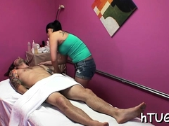 Client gets peculiar massage by an stunning oriental hottie
