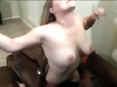 Dark cums in husband and her vagina takes it