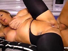 HAUSFRAU FICKEN - Ash-Blonde German housewife gets her first-timer vulva plowed