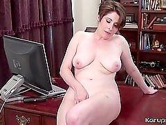 Mommys big natural boobs look hot at work