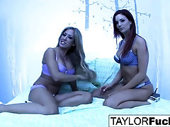 Taylor's super-fucking-hot girl-girl threeway