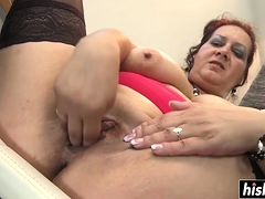 Fat dildo pleases a naughty babe