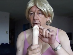 Naughty Gigi in pink - double dildo deep throat