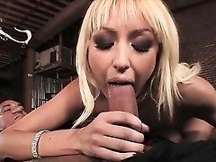 Breanne Benson uses a dildo to bang her pussy!