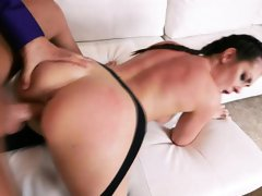 Sexy bubble booty brunette Brittany Shae takes an anal fuck