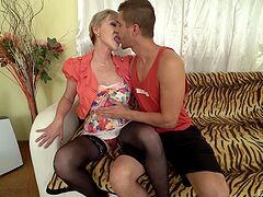 Stunning mature still knows how to deal with a big dick