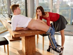 Hot beauty Cindy Shine gives a stunning blowjob in the office
