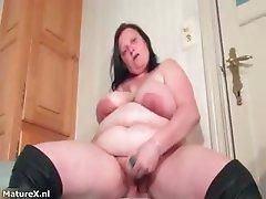 Sexy mature slut goes crazy dildo part5